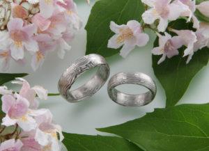 Spiegelbildliche Mokume Gane Ringe mit Palladium und Schneesilber