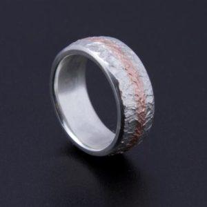 Eisschlagring in Silber mit Rotgold Krügerrand Verlobung Ring Trauringe selber schmieden Goldschmied Allgäu Bicolorringe