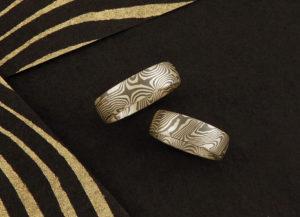 Zwillingsdamastringe Mokume Gane in Grüngold und Palladium
